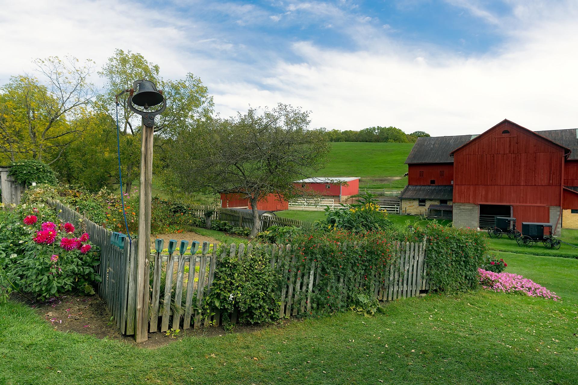 small farms gardensall