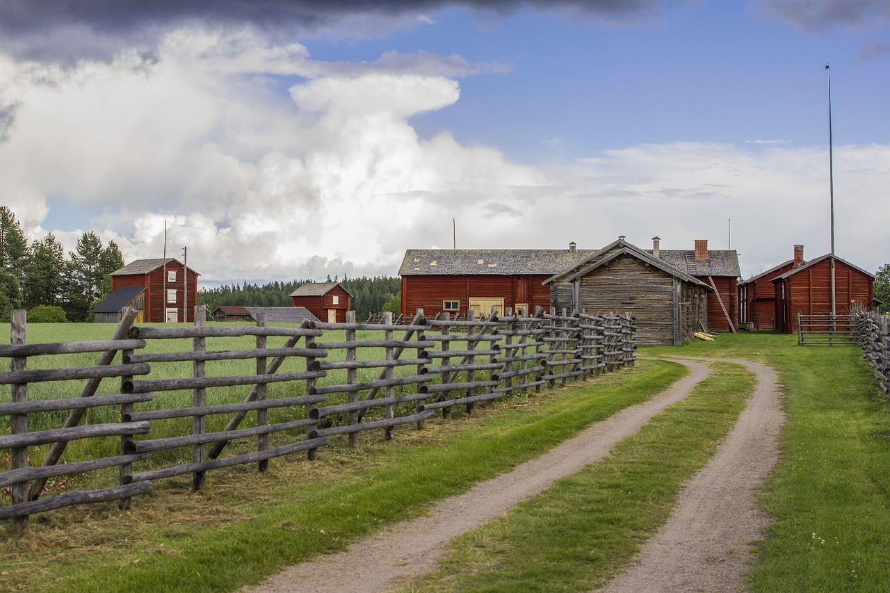 Family Farm-barn-fence-pasture-country