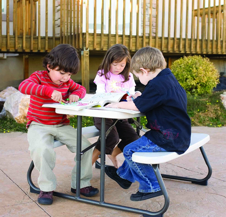 kids table, kid picnic table