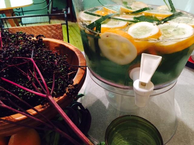 fresh elderberries, cucumber water