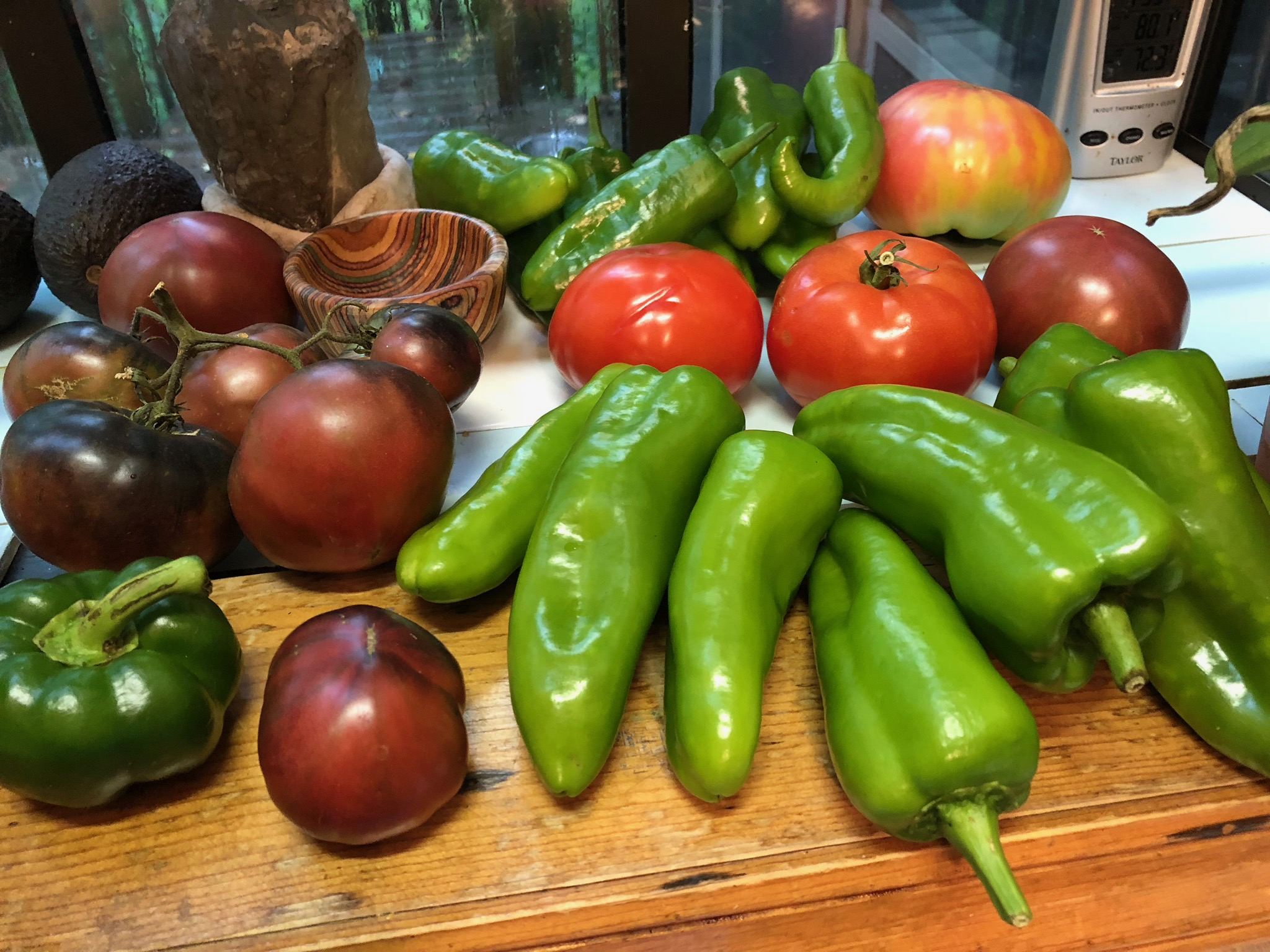 green marconi peppers, black beauty tomatoes